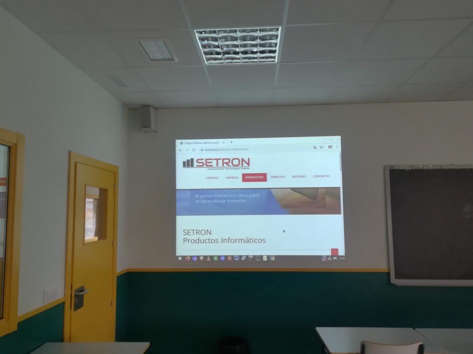 """proyector casio XJ22 pantalla 110 """" instalacion"""