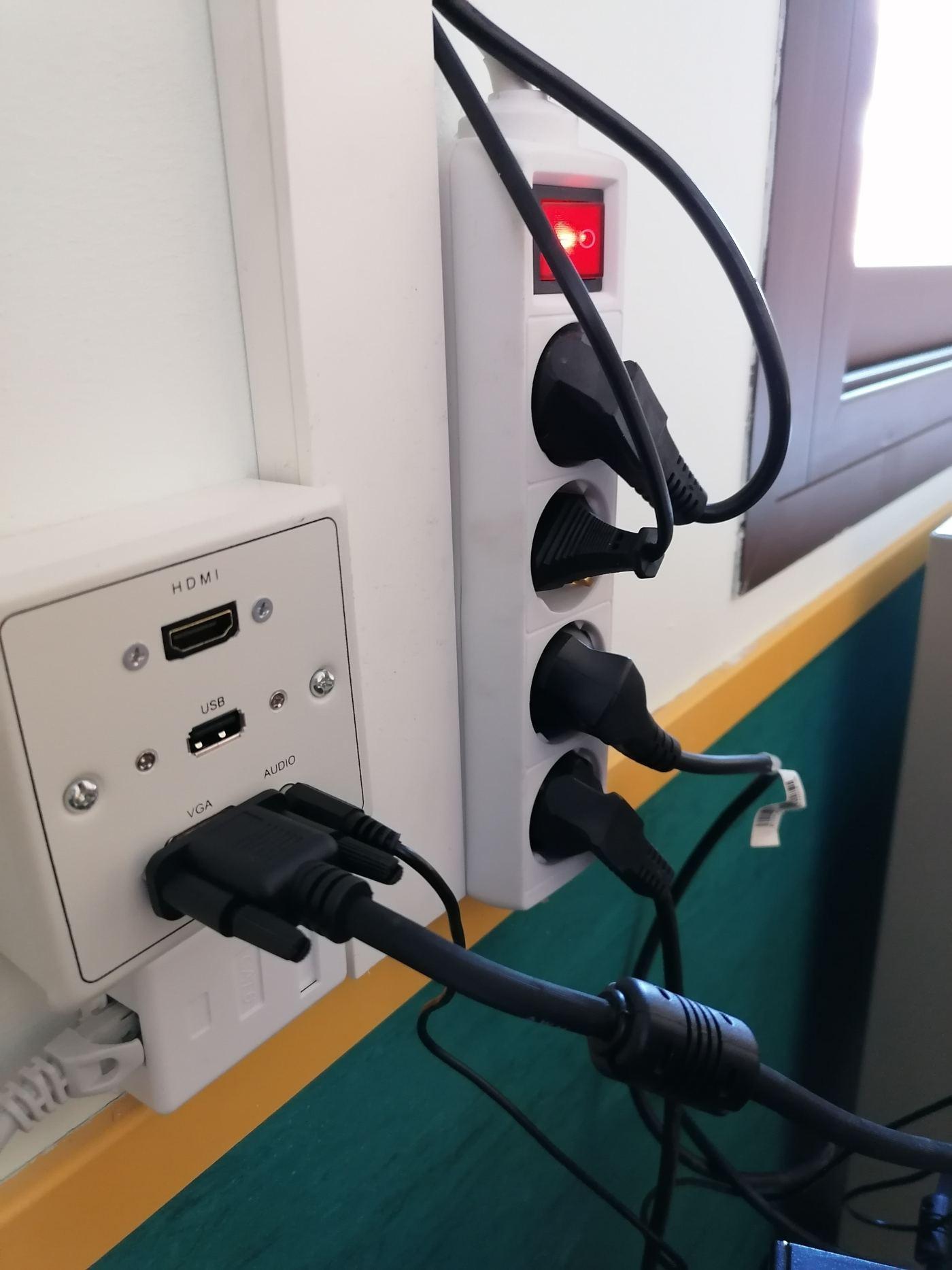 instalacion proyector con caja de conexiones
