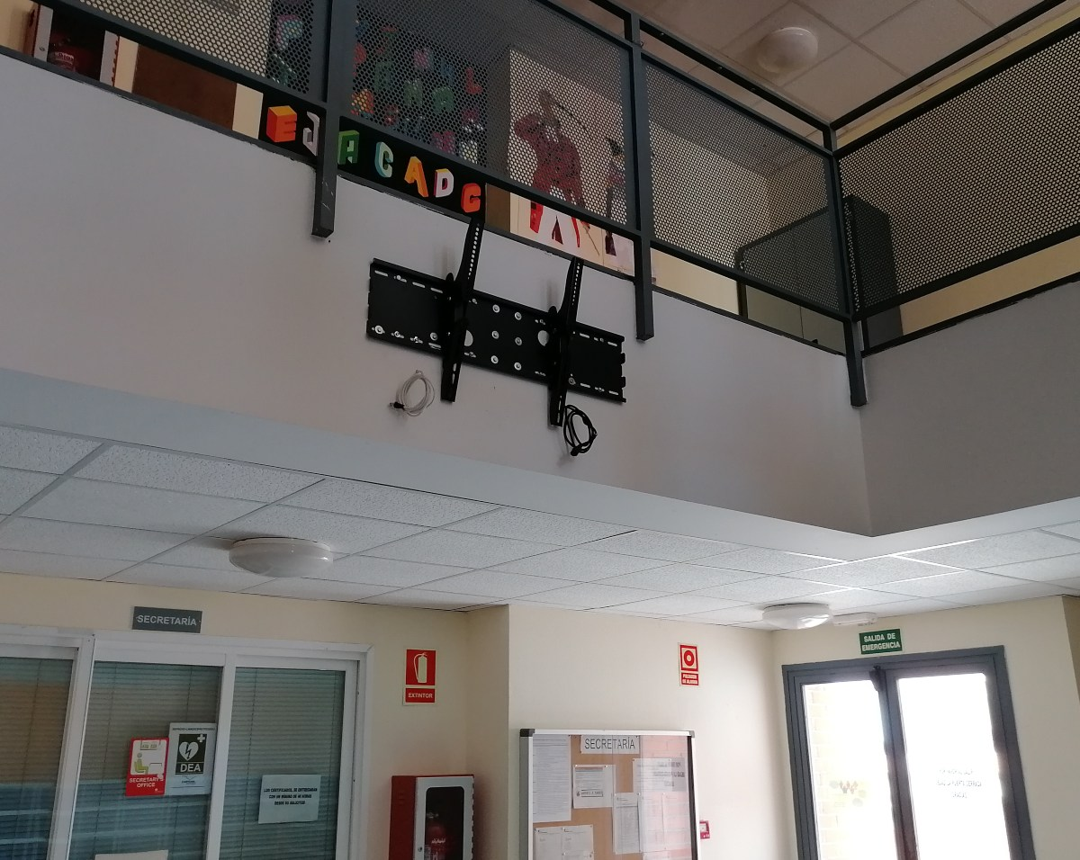 instalacion para monitor 55 pulgadas