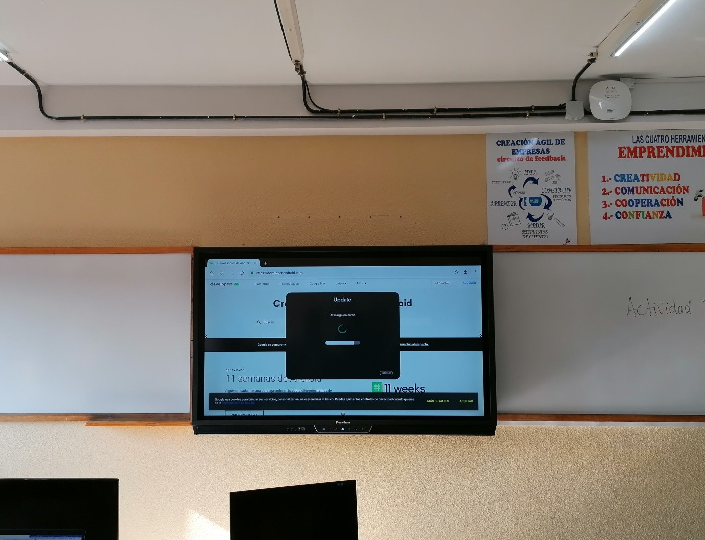 instalacion monitor interactivoTitanio 70 pulgadas