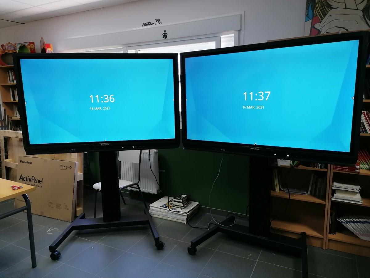 Monitor Promethean Nickel con soporte ruedas