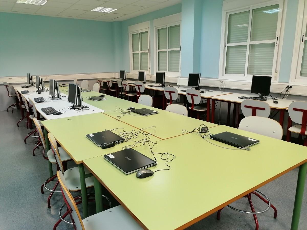 Mantenimiento aulas informática