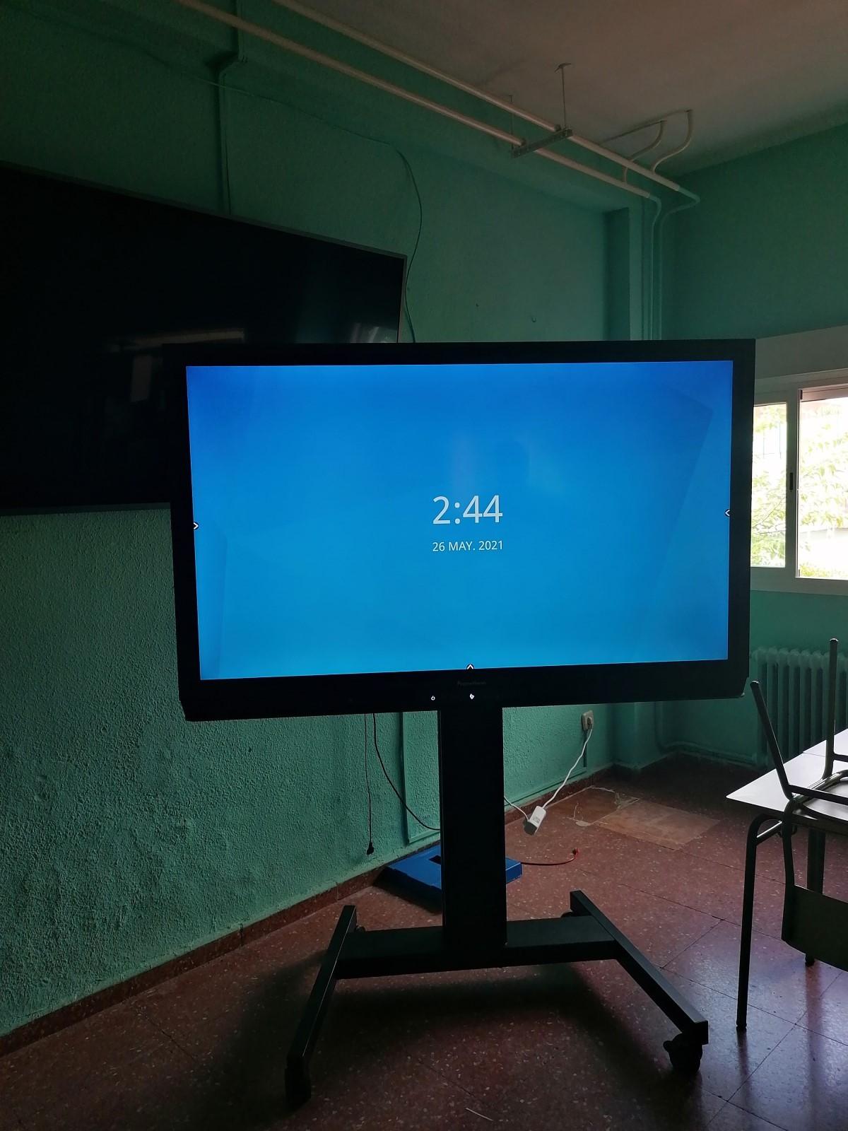 Monitor promethean con soporte